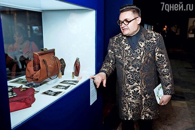 Александр Васильев на выставке «Кино и мода»