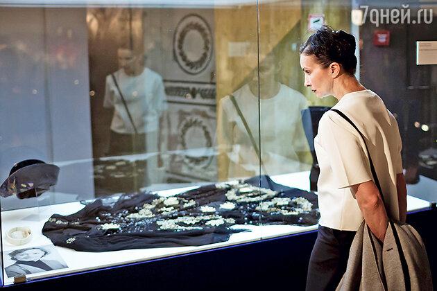 Хореограф Алла Сигалова на выставке «Кино и мода»