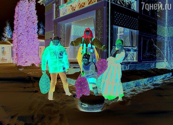 Актриса Анна Чурина и ее супруг актер и кинопродюсер Алексей Петрухин пригласили «7Д» в свой подмосковный дом на празднование Масленицы