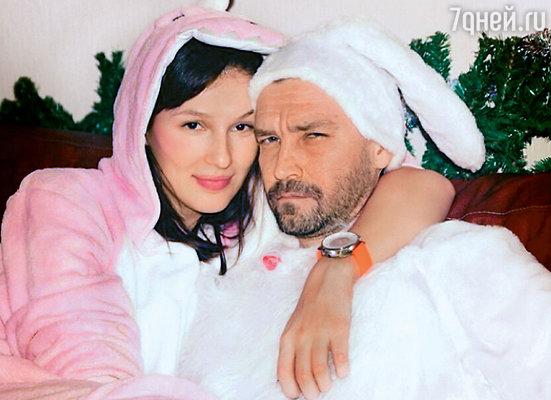 Владимир с новой возлюбленной Ольгой Пилевской. 1 января 2014 г.