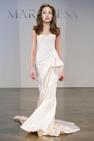 Анджелина Джоли в платье от Marchesa