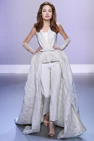 Анджелина Джоли в платье от Stephane Rolland