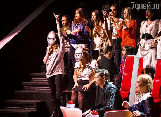 У Антона Беляева одна из самых сильных групп поддержки на проекте: каждое его выступление — праздник для фанатов