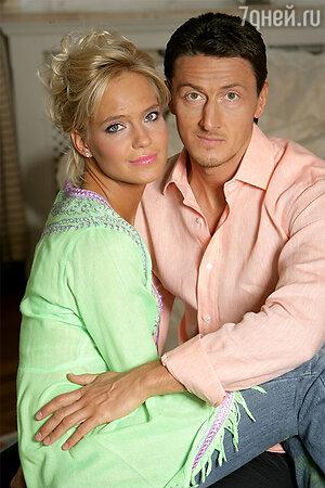 Наталья Чистякова-Ионова (Глюк'oZа) с мужем Александром