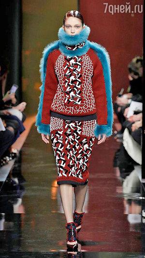 Модель Peter Pilotto на Неделе моды в Лондоне