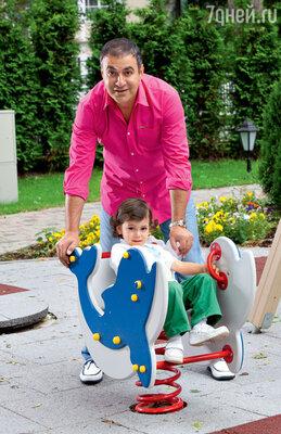 Гарик Мартиросян с сыном Даниэлем