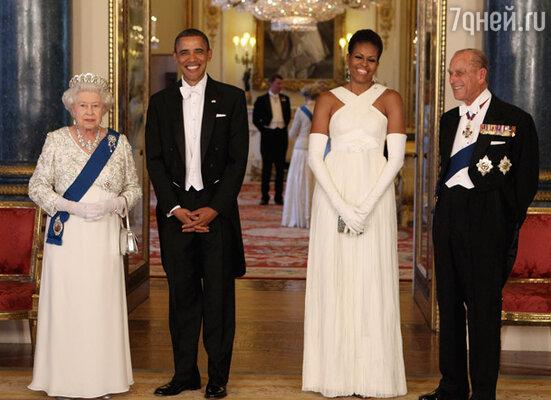 Королева Елизавета, президент США Барак Обама, Мишель Обама и герцог Эдинбургский Филипп