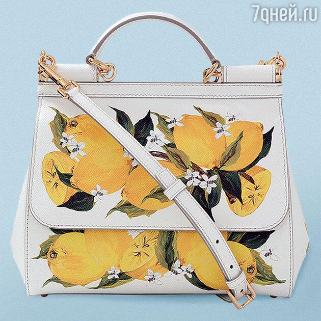 Знаменитая модель c лимонами от Dolce Gabbana