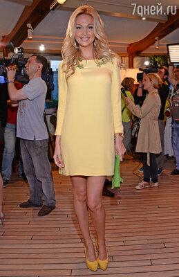 2 декабря состоится церемония награждения премии Brand Awards-2013 (На фото: гостья мероприятия Виктория Лопырева)