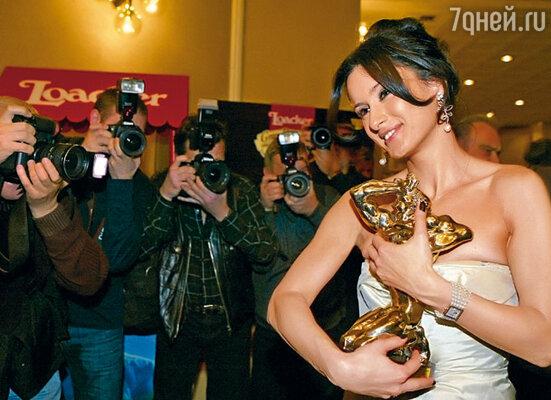 В 2006 году Тина получила «ТЭФИ» за программу «Детали»