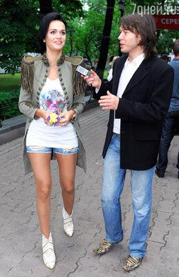 Певица Слава и корреспондент 7DN.RU Вячеслав Григорьев