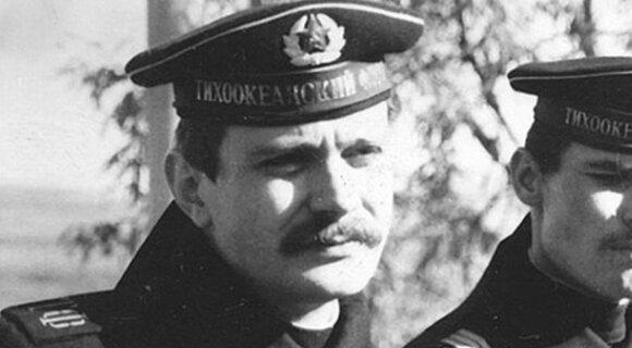 Защитники Отечества: 10 российских звезд, которые служили в армии