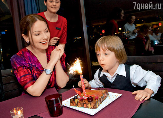 День прилета в Женеву совпал с шестилетием Наума (Ресторан Grill Grand Hotel Kempinski Geneva)