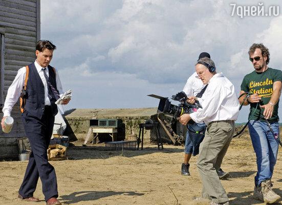 Съемочный момент фильма «Джонни Д.», с камерой — режиссер Майкл Манн. 2009 г
