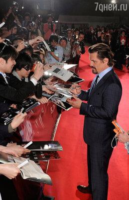 Джош Бролин на премьере в Токио