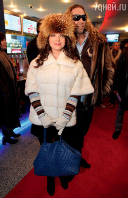С мужем на премьере картины «Самый лучший фильм 3-Дэ». 2011 г.