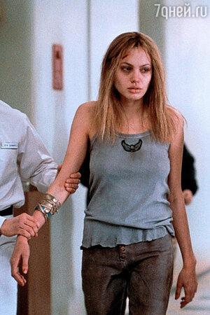 Анджелина Джоли призналась в употреблении наркотиков