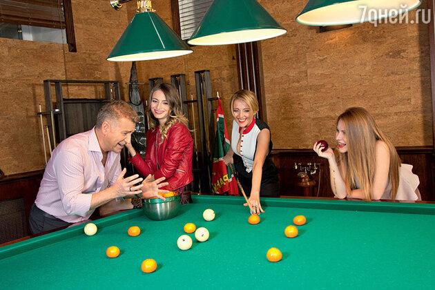 Леонид Агутин и Анжелика Варум с дочерьми Лизой и Полиной