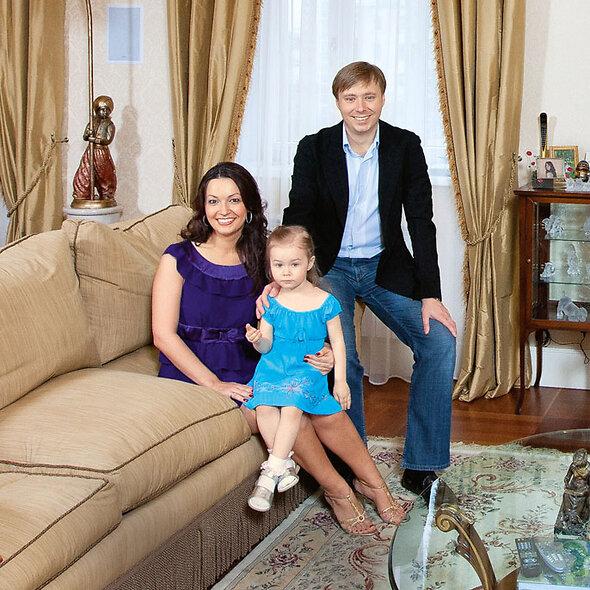 Таисия Маслякова с родителями Александром и Ангелиной. 2009 г.