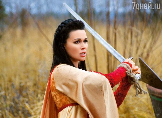 Анастасия Заворотнюк на съемках многосерийного фильма «Все к лучшему»