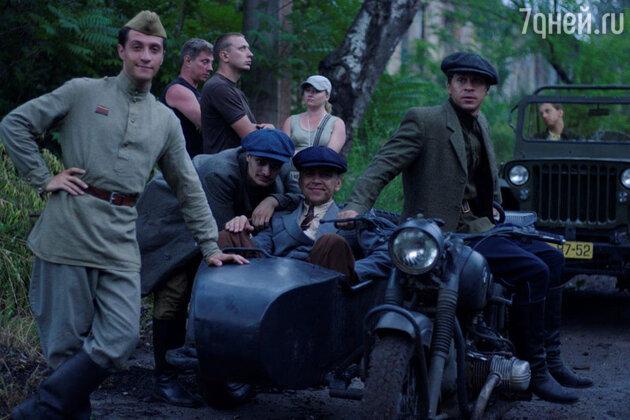 1947 год, города контролируются криминальными группировками, с одной из которых и сталкивается майор УГРО