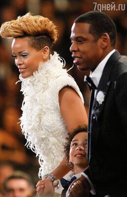 Прославленный продюсер Jay-Z немедленно подписал контракт с Рианной