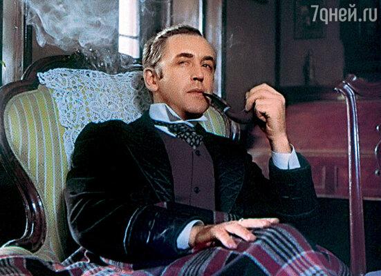 Звание заслуженного артиста Российской Федерации я получил только в 1981 году, когда на экраны уже вышли первые серии «Шерлока Холмса и доктора Ватсона»