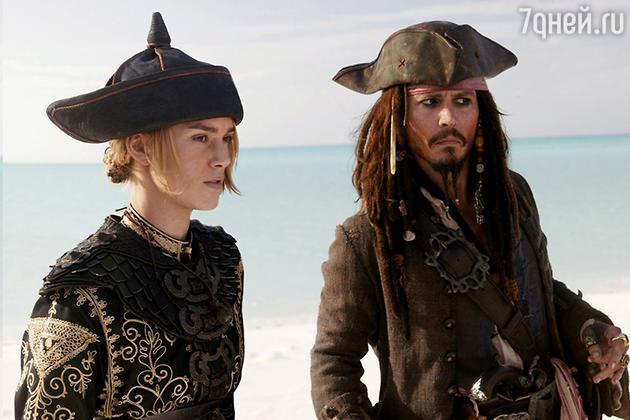 Кира Найтли и Джони Депп в фильме «Пираты Карибского моря: Проклятие Черной жемчужины»
