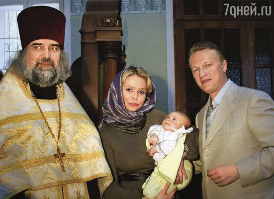 Ксения и Андрей на крестинах старшего сына Мирона