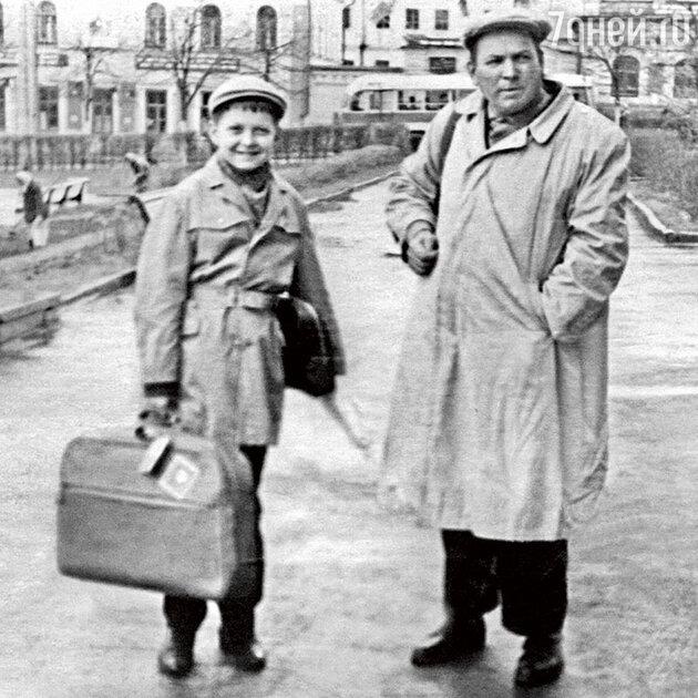 Иван  Шарко с дедом
