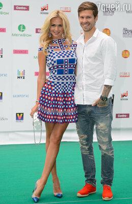 Виктория Лопырева с мужем Федором Смоловым