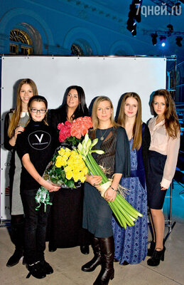 Екатерина Стриженова, ее дочери — Настя и Саша