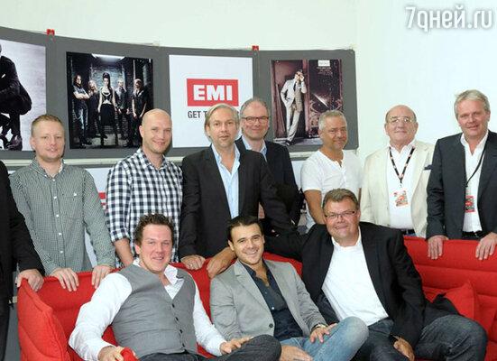 Компания «EMI» займется не только выпуском и распространением в Европе последнего альбома певца «Wonder», но и записью и продвижением его будущих работ