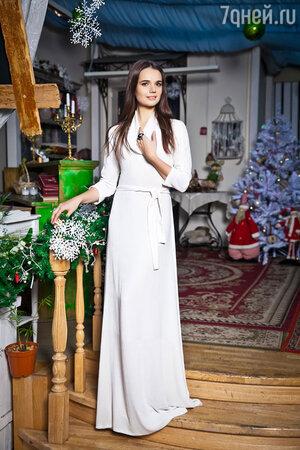 На Татьяне: платье IZETA, кольцо Eva Naumova Jewelry