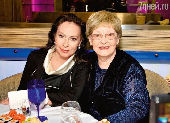 Марина Хлебникова и Нина Гребешкова