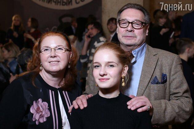 Игорь Янковский с семьей
