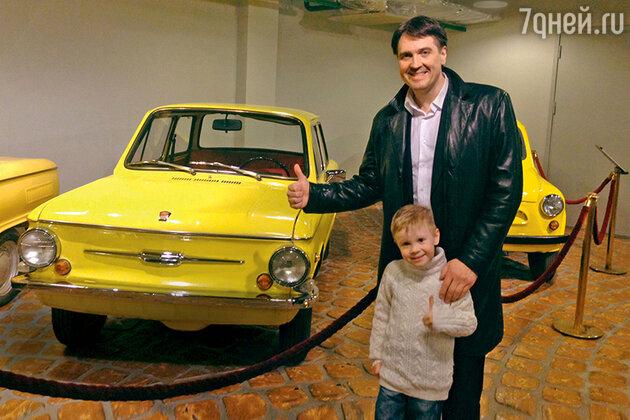 Денис Матросов с сыном