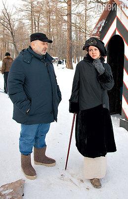 Режиссер картины АндрейМалюков иЕкатеринаКлимова насъемках вЦарском Селе