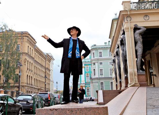 «Это в Москве говорят «творчество», аяработаю,вот и все. Даичтозапрофессия длямужика сомнительная— актер?! Погремушка длявзрослых!»