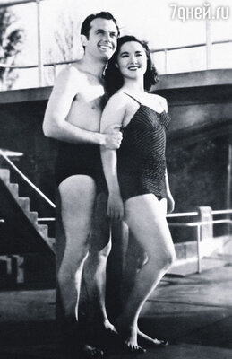 Рикардо Пассано (на фото), снявшийся с Лолитой в фильме «Ритм, соль и перец», стал единственным мужчиной, с которым она целовалась на экране