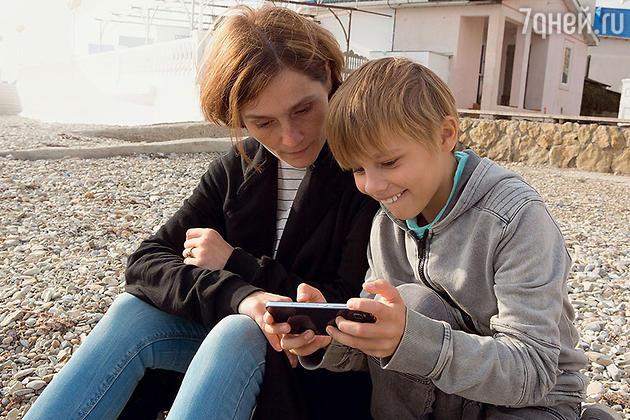 Оксаной  Охлобыстина с сыном
