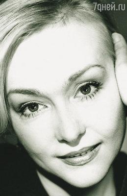Однажды, прочитав книгу «Синдром Мэрилин Монро», я поняла, что Норма Джин, как и я, страдала оттого, что ее никто не любит, и отчаянно добивалась любви