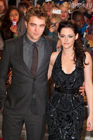 ������ ��������� (Robert Pattinson) � ������� ������ (Kristen Stewart) �� �������� ������ ��������. ����. �������