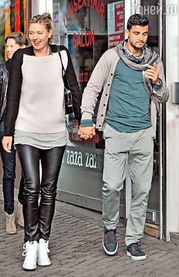 Мария Шарапова с Григором Димитровым напрогулке в Лондоне. 2013 г.
