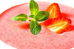 Клубничный суп: рецепт от шеф-повара Мишеля Ломбарди