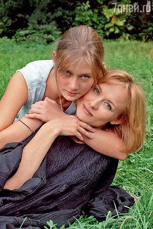 Елена Шевченко с дочерью Марией Машковой
