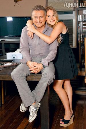 Леонид Агутин  с дочкой