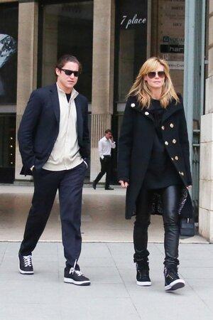 Хайди Клум и Вито Шнабель на прогулке в Париже