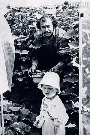 Муж Ольги Нифонтовой Геннадий с сыном Мишей