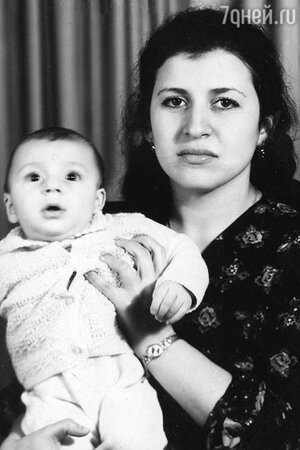 Жасмин вместе с мамой Маргаритой Семеновной